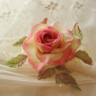 pink and cream rose comb 2