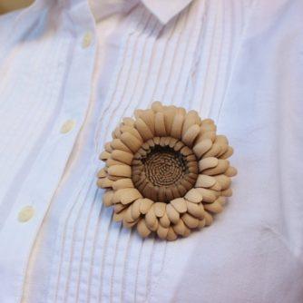 beige gerbera shirt (800x720)