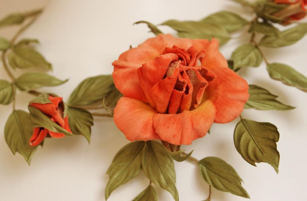 rose necklace closeup 4