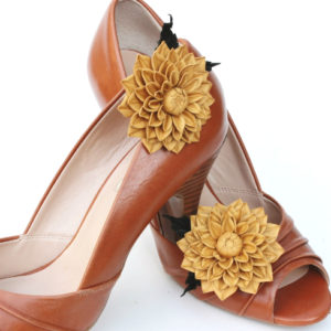 leather flower shoe brooches