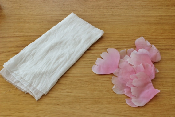 shaping fabric flower petals without the use of tools 10