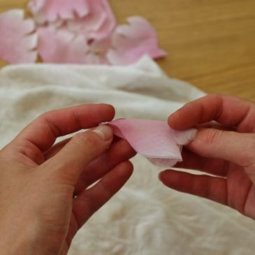 Shaping fabric flower petals without the use of tools