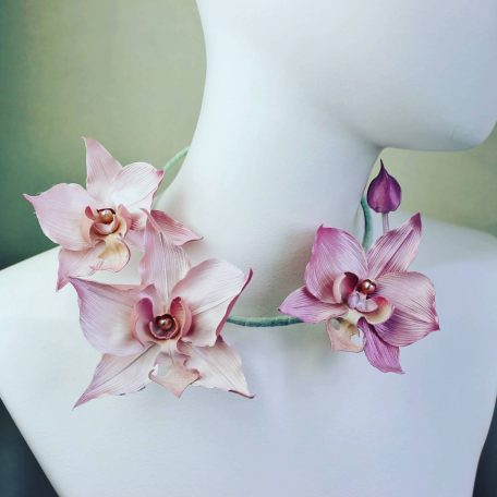 silk orchid flower necklace tutorial