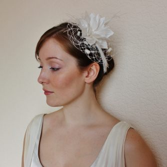 white clematis fascinator Kate 3 (800x724)