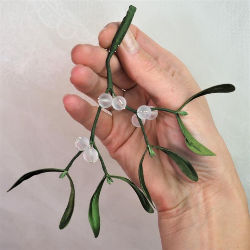 fabric mistletoe DIY kit