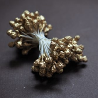 oversized golden pearl stamens