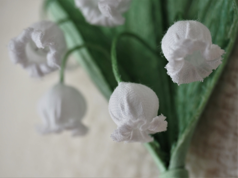 retro lily of the valley detail