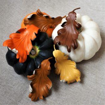 leather oak leaf brooch colours